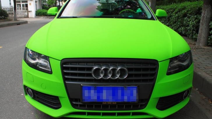 Matte Lime Green Audi A4L Will Make Your Eyes Sore