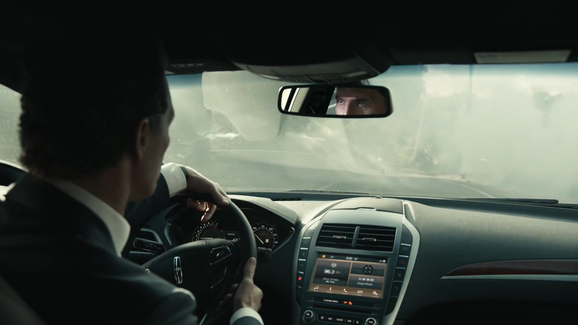Matthew Mcconaughey Doesn T Know How To Hold A Steering Wheel