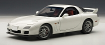 Mazda RX-7 Spirit R Scale Model Is Pure White [Photo Gallery]