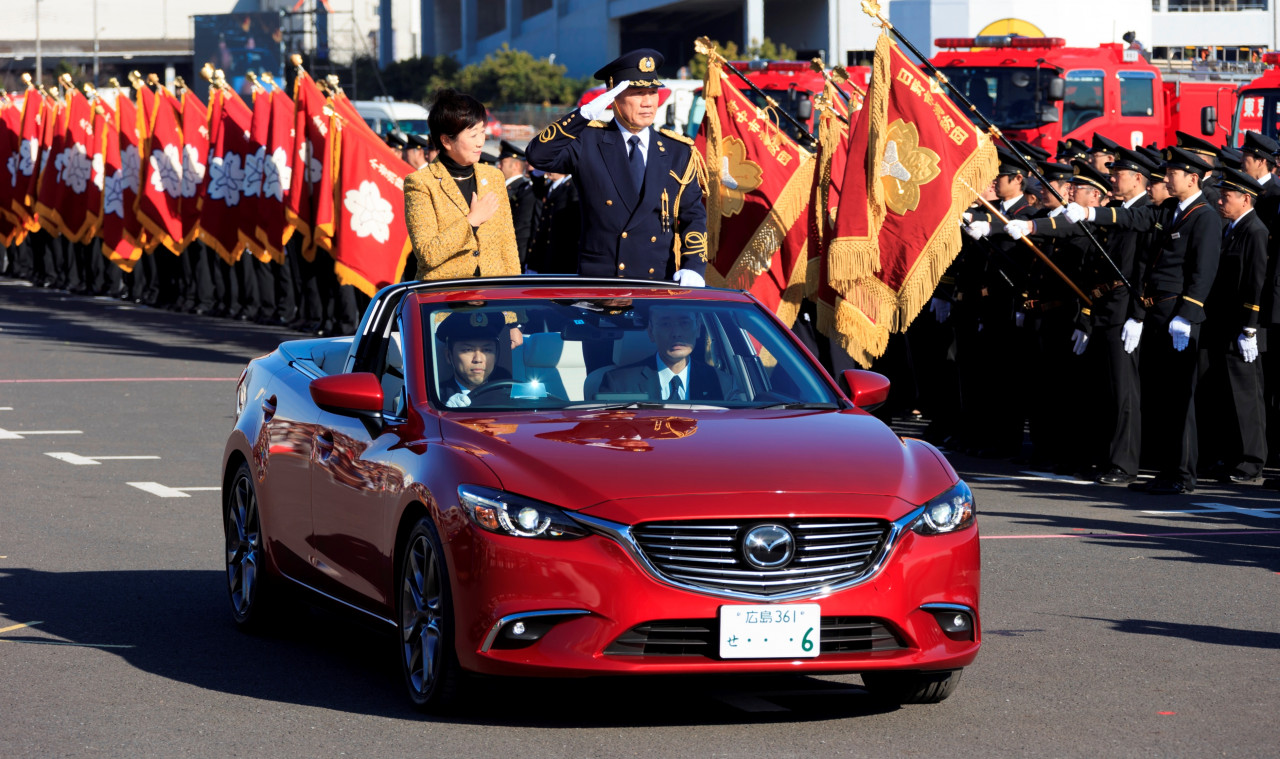 mazda6 parade car debuts in japan, looks like the convertible we