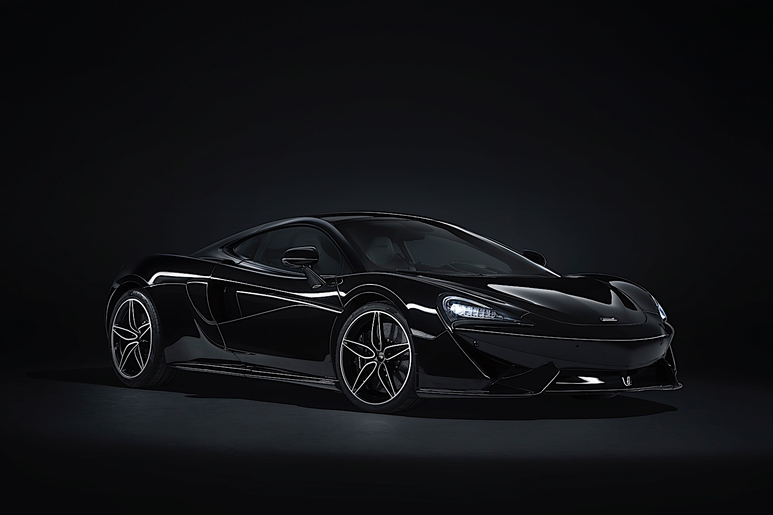 McLaren 570GT MSO Black Edition revealed
