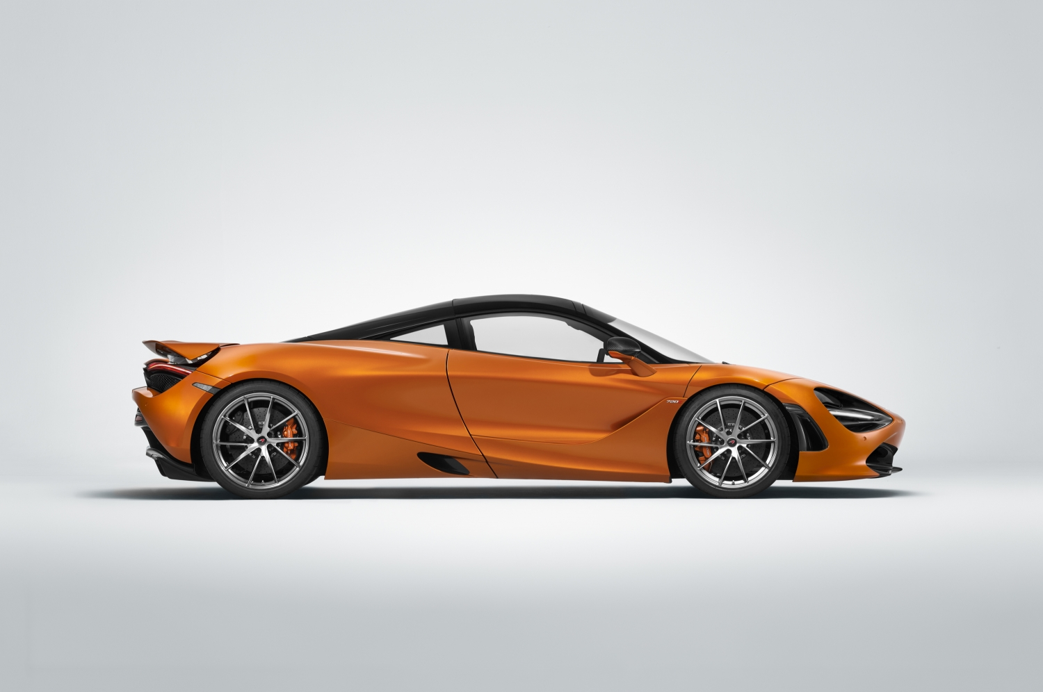 mclaren 720s wins beauty contest, named most beautiful supercar of