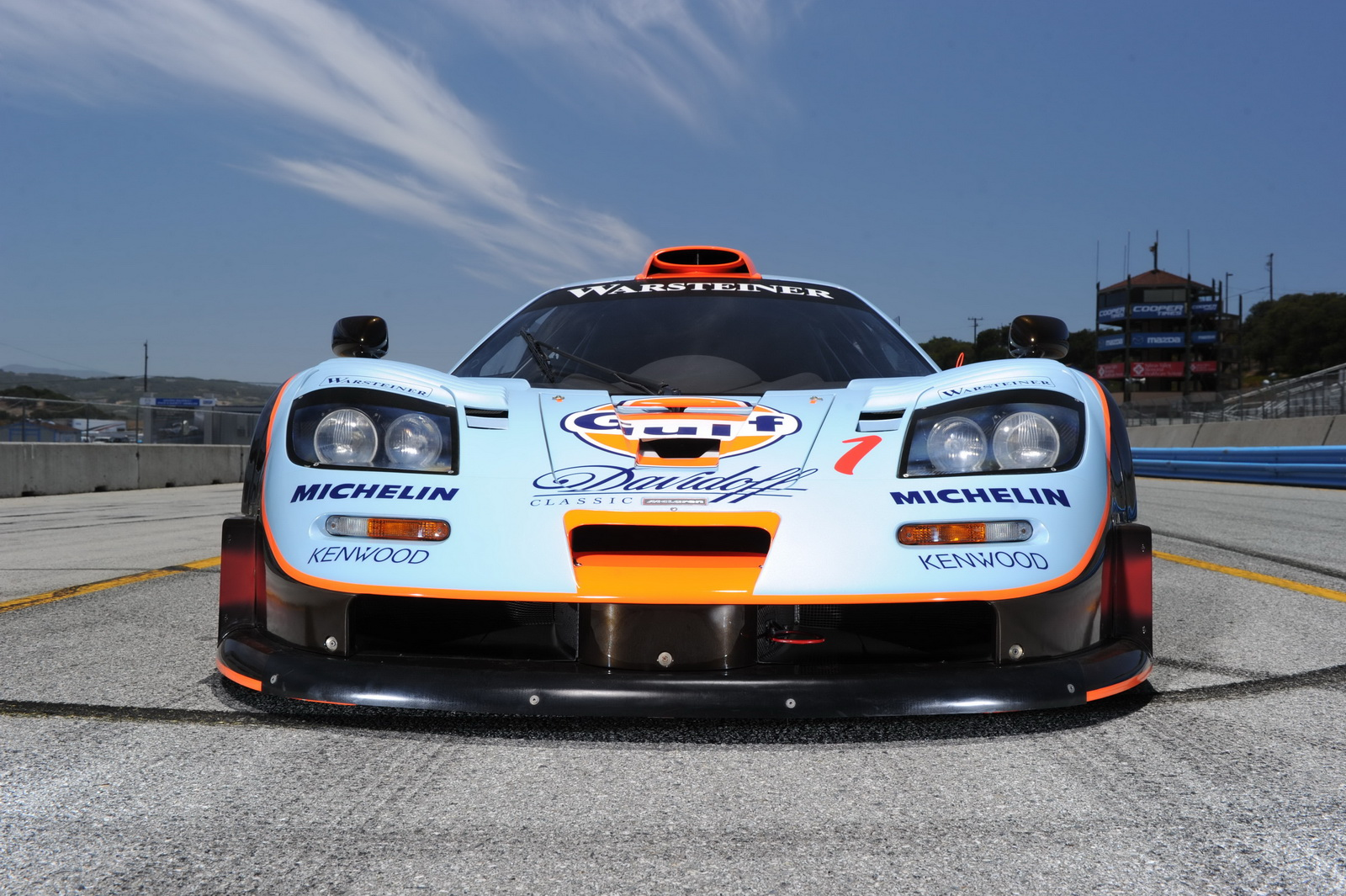 https://s1.cdn.autoevolution.com/images/news/mclaren-f1-gtr-longtail-is-a-fine-racecar-looking-for-a-new-owner-video-photo-gallery-95863_1.jpg