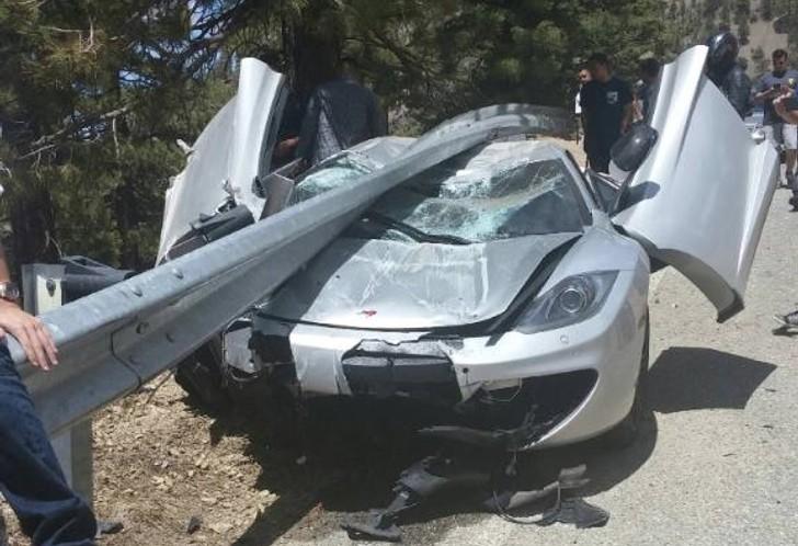 Mclaren Meets Guardrail In One Surprisingly Fortunate Crash Autoevolution