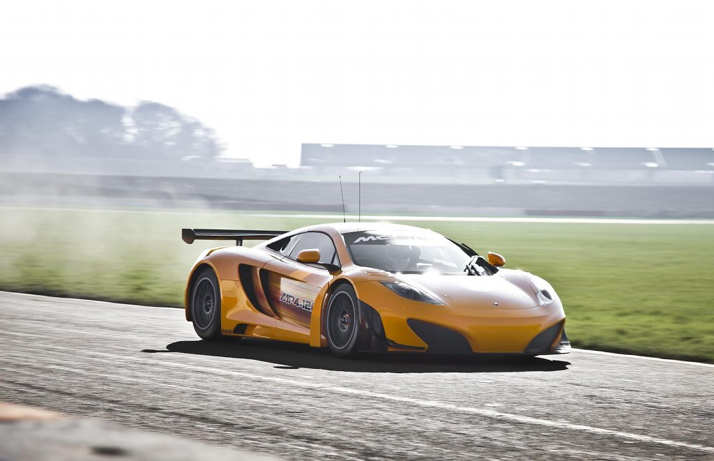 https://s1.cdn.autoevolution.com/images/news/mclaren-mp4-12c-gt3-closer-to-being-unleashed-34030_1.jpg