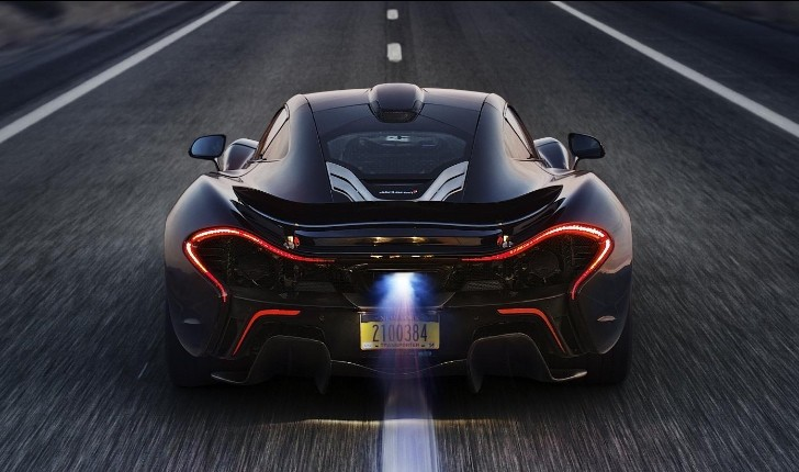 McLaren P1 Supercar Tested in Extreme Desert Heat [Video][Photo Gallery]
