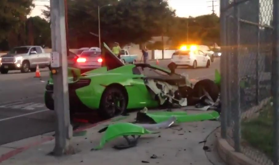 Car Accident Yesterday >> McLaren Totaled in Los Angeles Crash, Police Seeking Street Racing Suspects - autoevolution