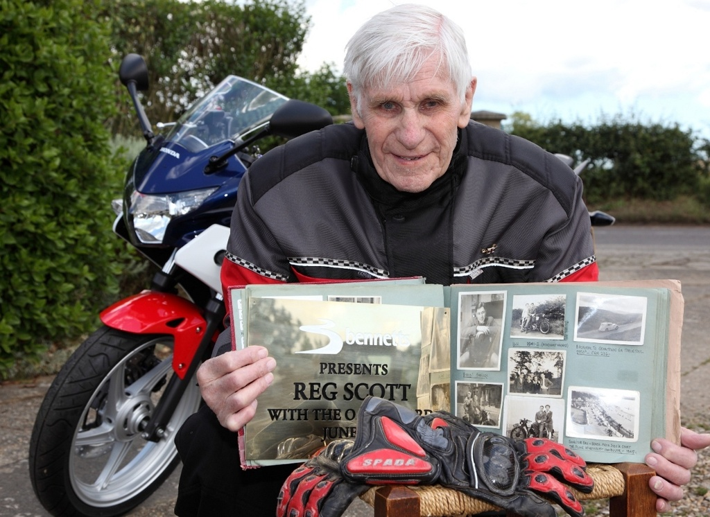 Meet Britain\'s Oldest Biker: 94-Year-Old Reg Scott - autoevolution