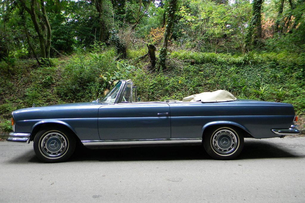 mercedes 280se 3 5l cabrio up for grabs autoevolution. Black Bedroom Furniture Sets. Home Design Ideas