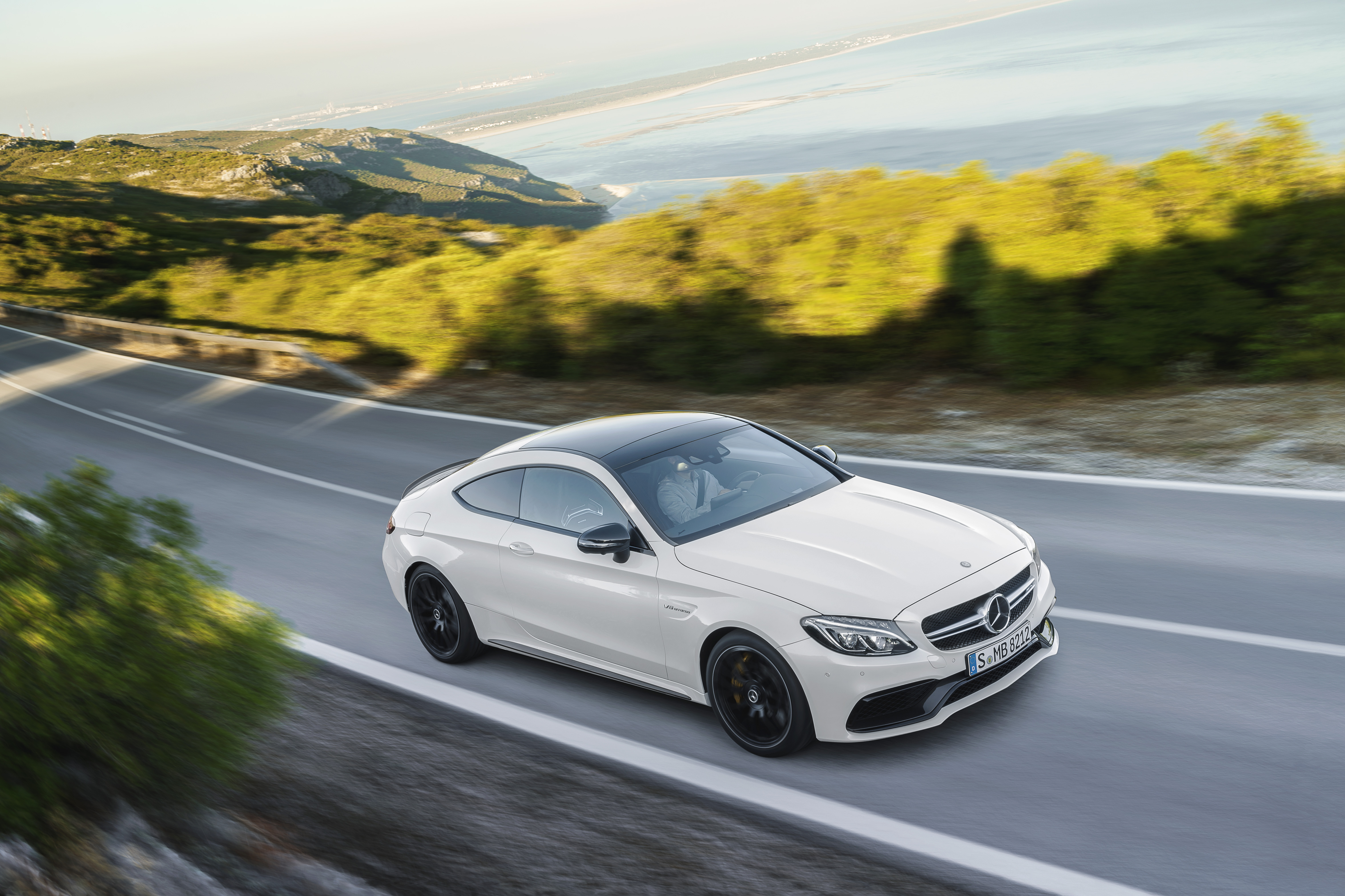 https://s1.cdn.autoevolution.com/images/news/mercedes-amg-c63-coupe-is-here-and-it-s-the-sportiest-c-class-ever-also-fabulous-99032_1.jpg