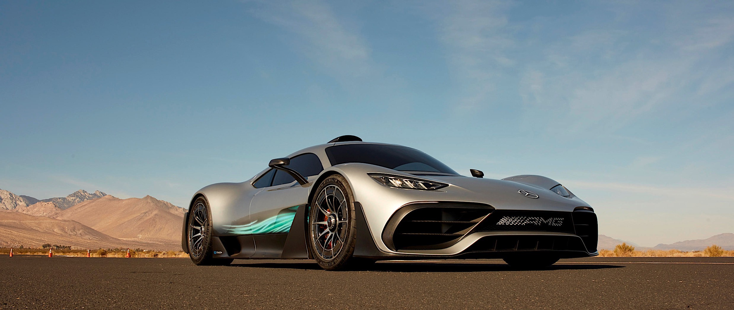 Mercedes Amg Hypercar >> Mercedes-AMG Project One Shines in New Wallpaper Gallery ...