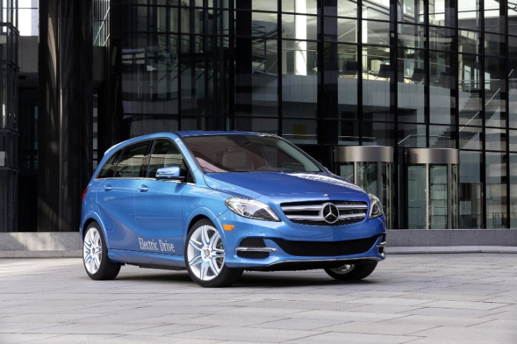 Mercedes B-Class EV Will Be Better than BMW i3, Says Daimler Boss