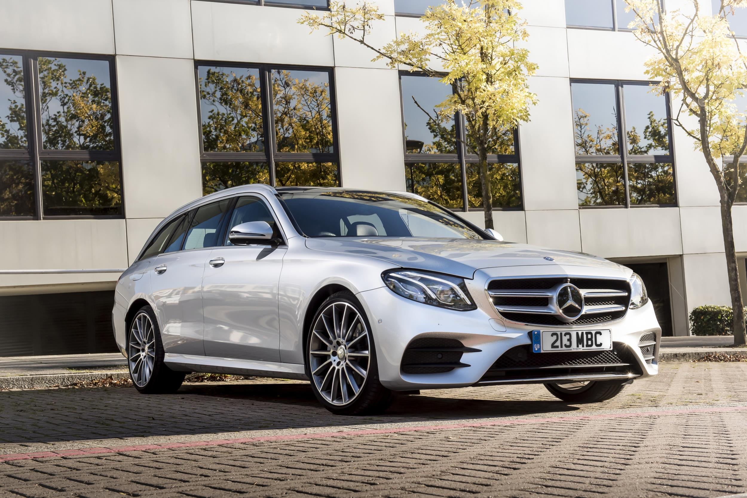Mercedes benz 2016 sales beat previous year with one month for Mercedes benz salesman