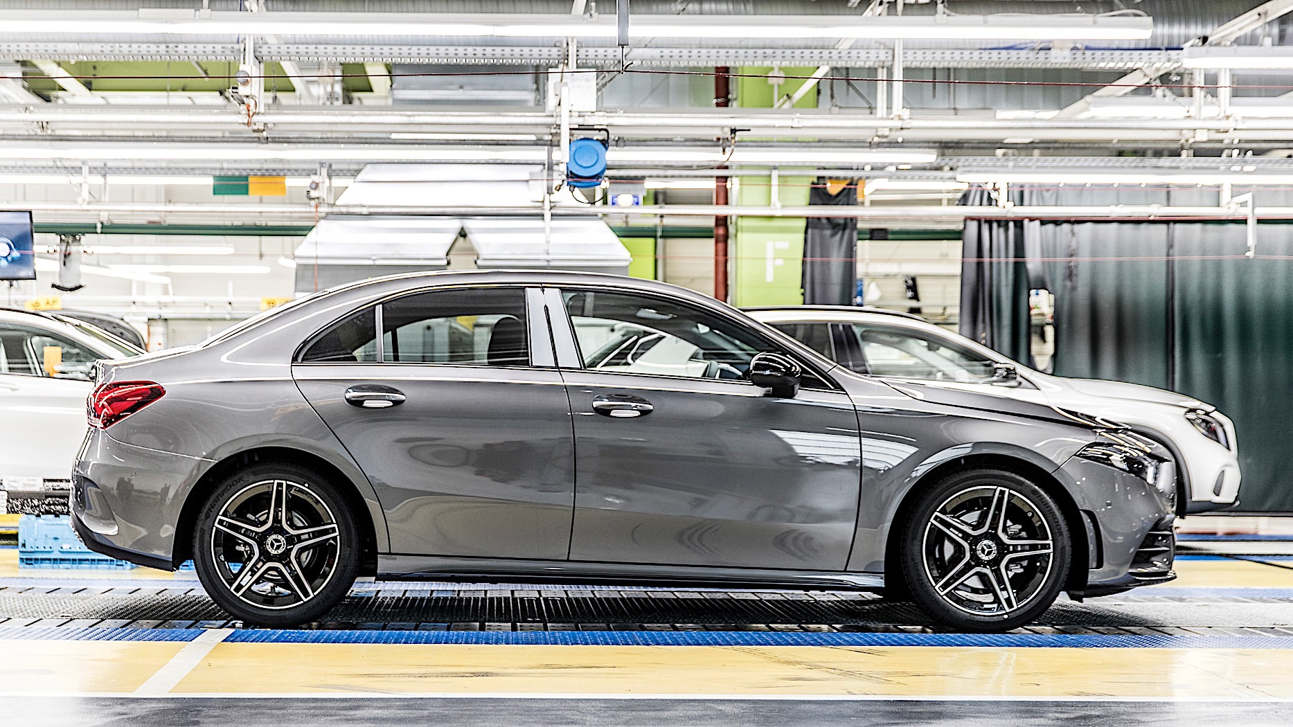 mercedes benz adds a class sedan to production roster in rastatt autoevolution. Black Bedroom Furniture Sets. Home Design Ideas