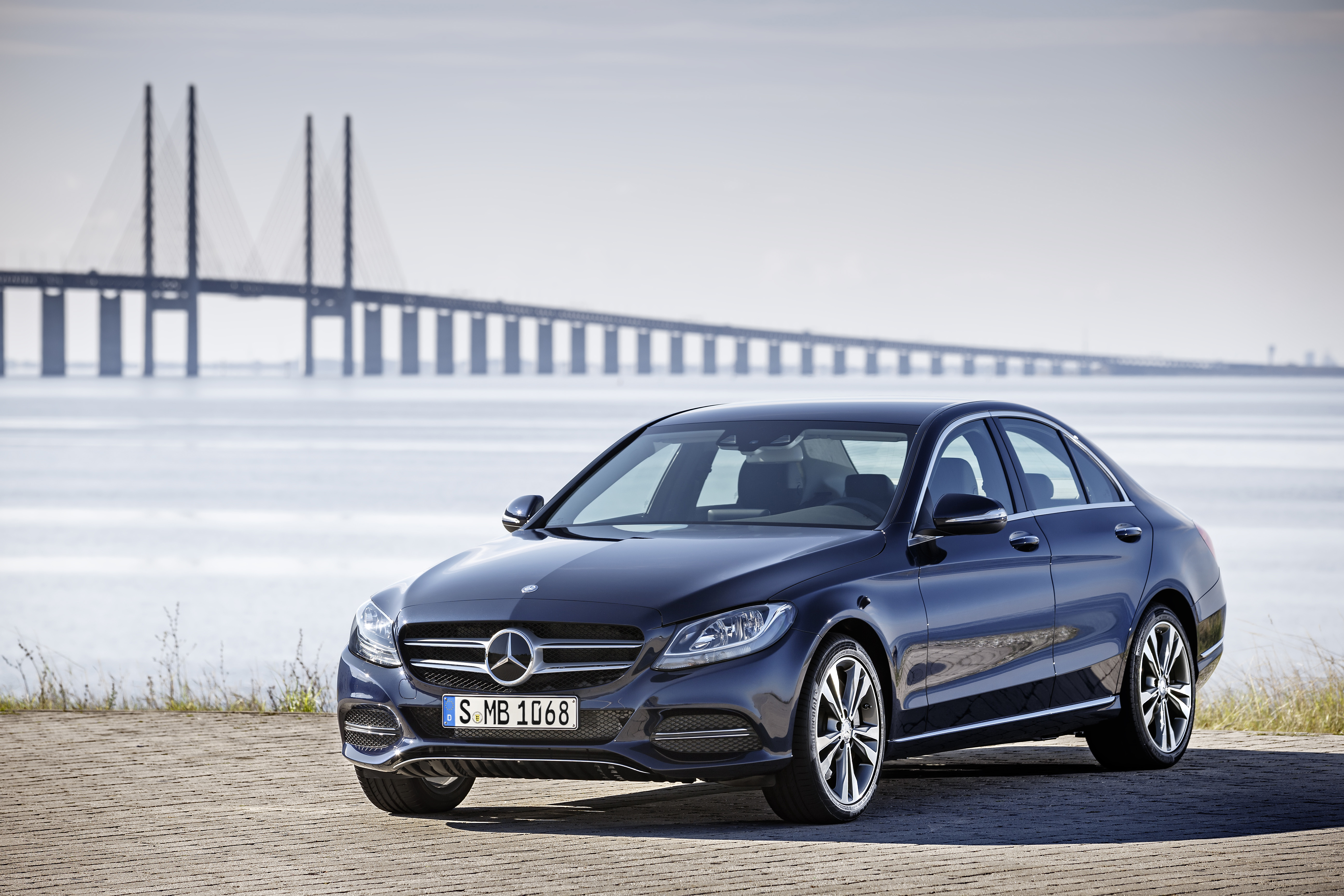 Mercedes benz c class bags 2015 world car of the year for New 2015 mercedes benz c class