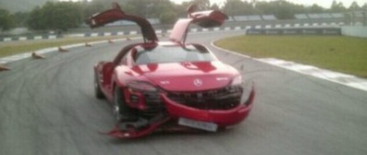 Mercedes-Benz C63 AMG Crashed into SLS AMG by Journalists