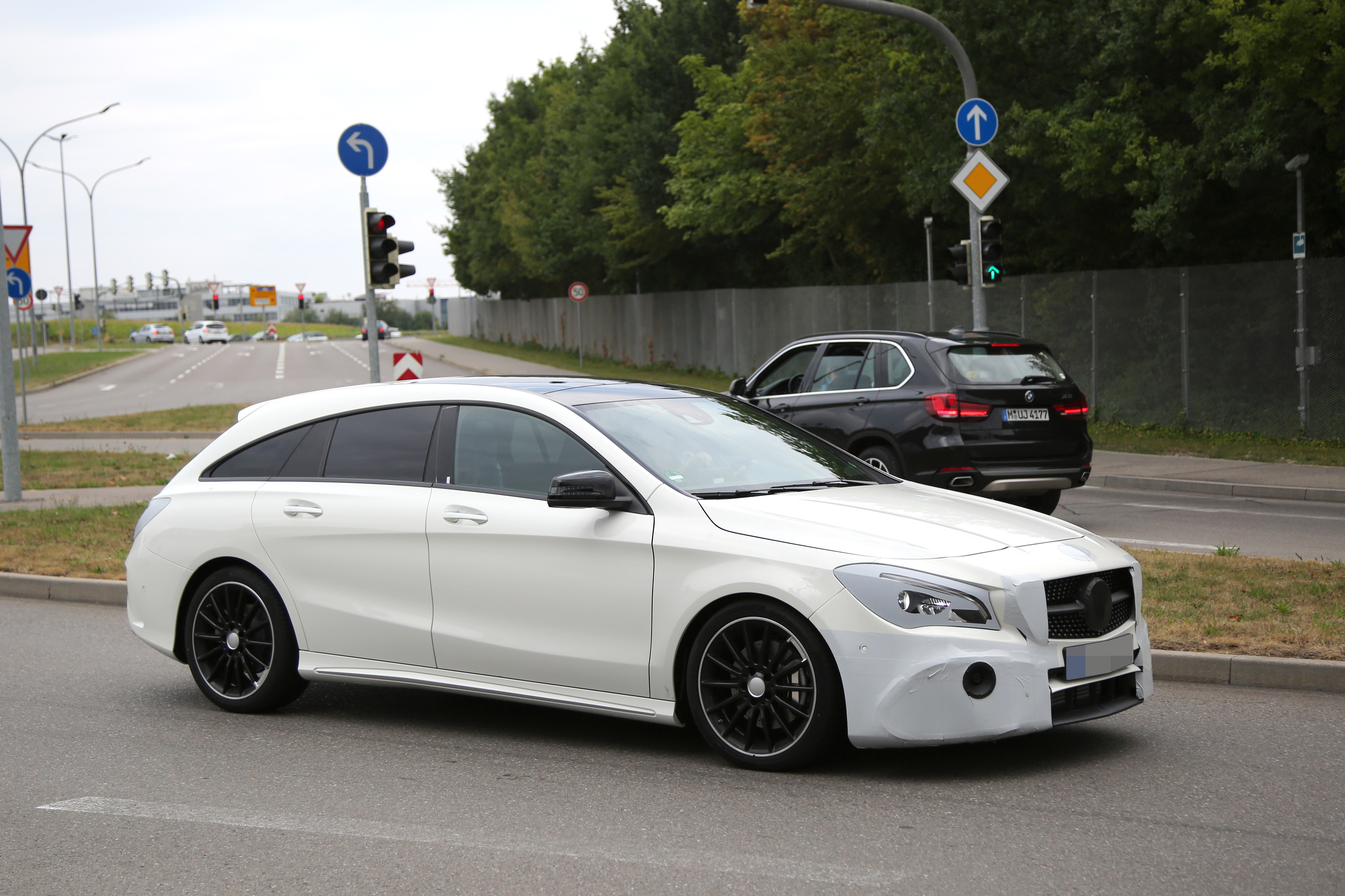 Mercedes Benz Cla Shooting Brake Spied Once Again Coming