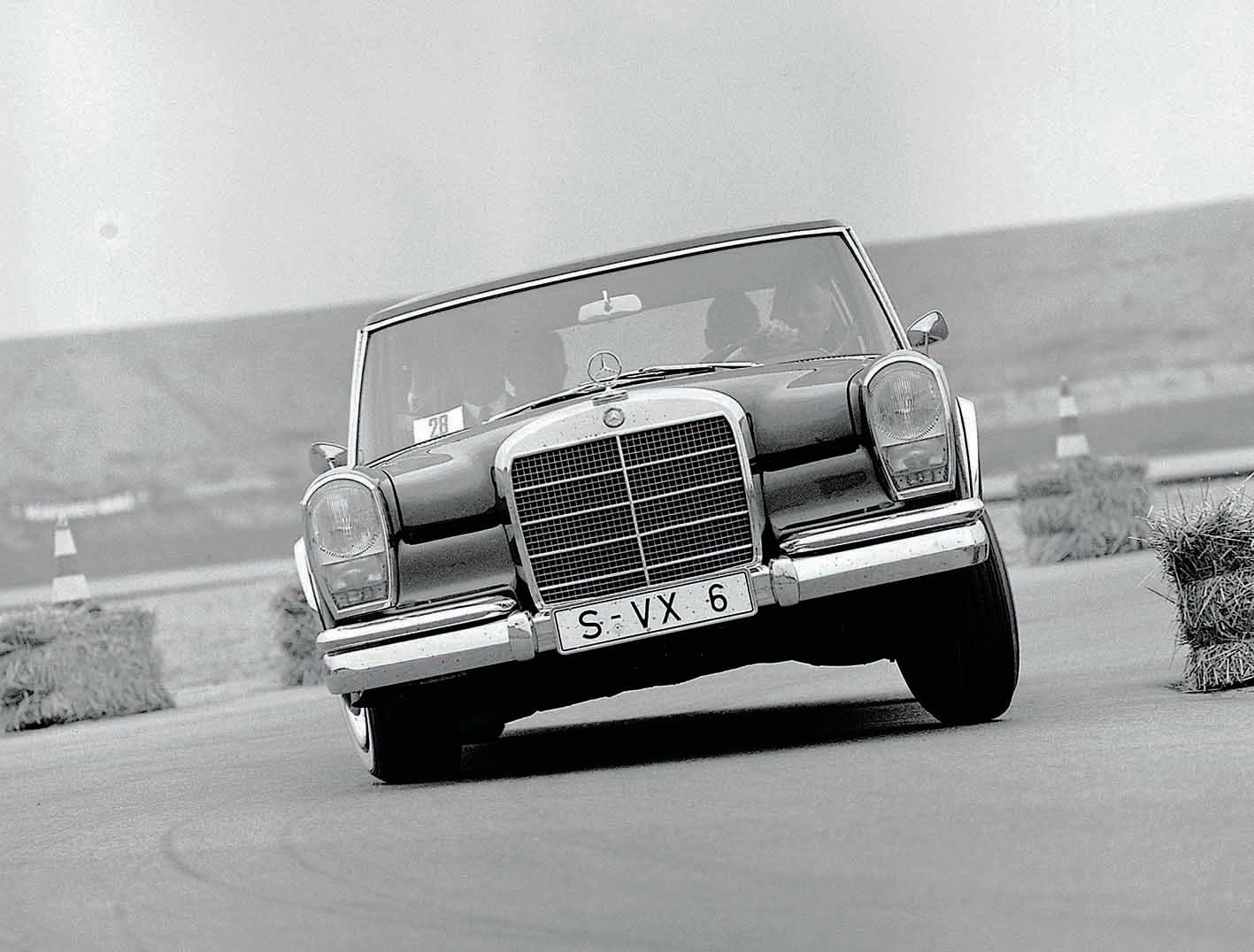 Mercedes Benz Classic Index Went Up In December 2013