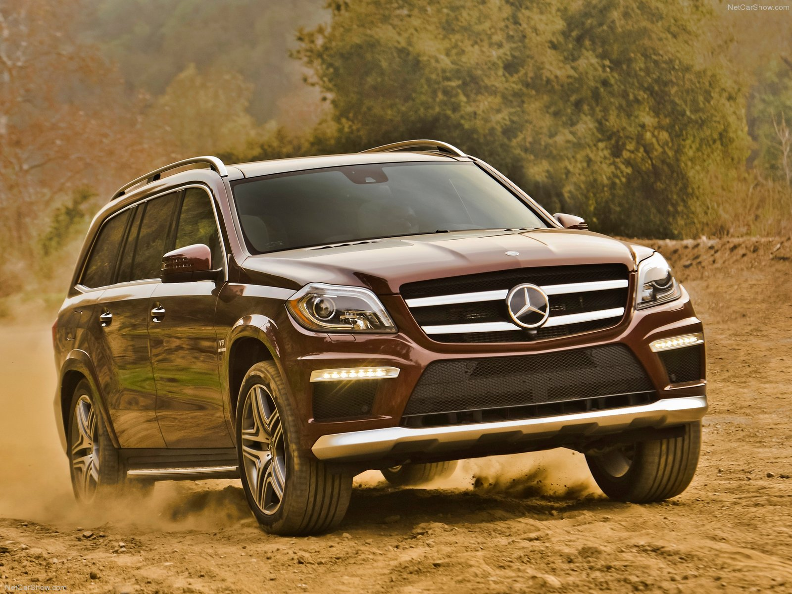 Mercedes benz could go after bentley bentayga with ultra for Mercedes benz gl63