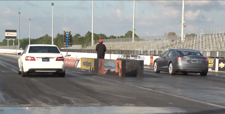 Mercedes-Benz E63 AMG with 650 hp vs Tesla Model S Drag Race [Video]
