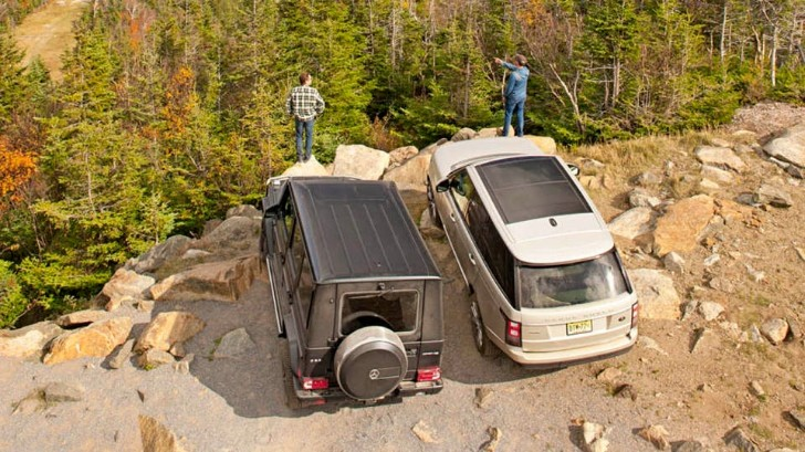 mercedes benz g 63 amg vs range rover supercharged up a ski slope autoevolution. Black Bedroom Furniture Sets. Home Design Ideas