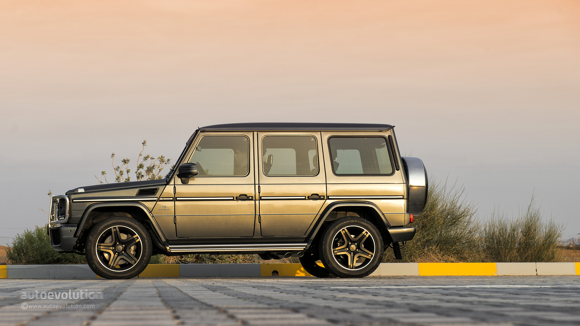 mercedes benz g class gets increased production capacity autoevolution. Black Bedroom Furniture Sets. Home Design Ideas
