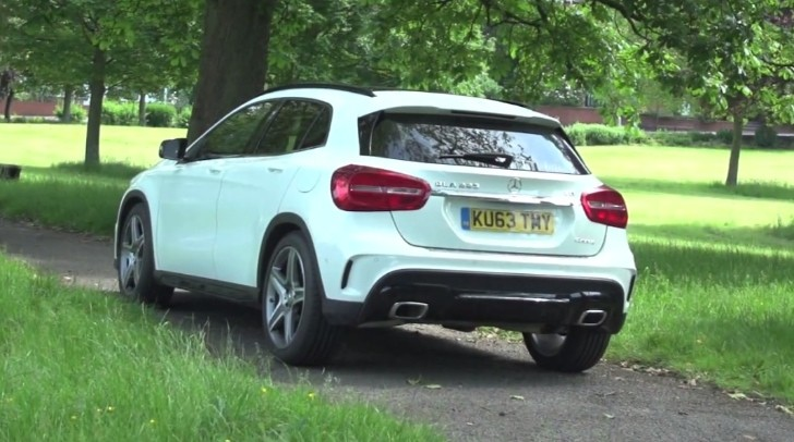 mercedes benz gla 220 cdi 4matic gets reviewed in the uk autoevolution. Black Bedroom Furniture Sets. Home Design Ideas