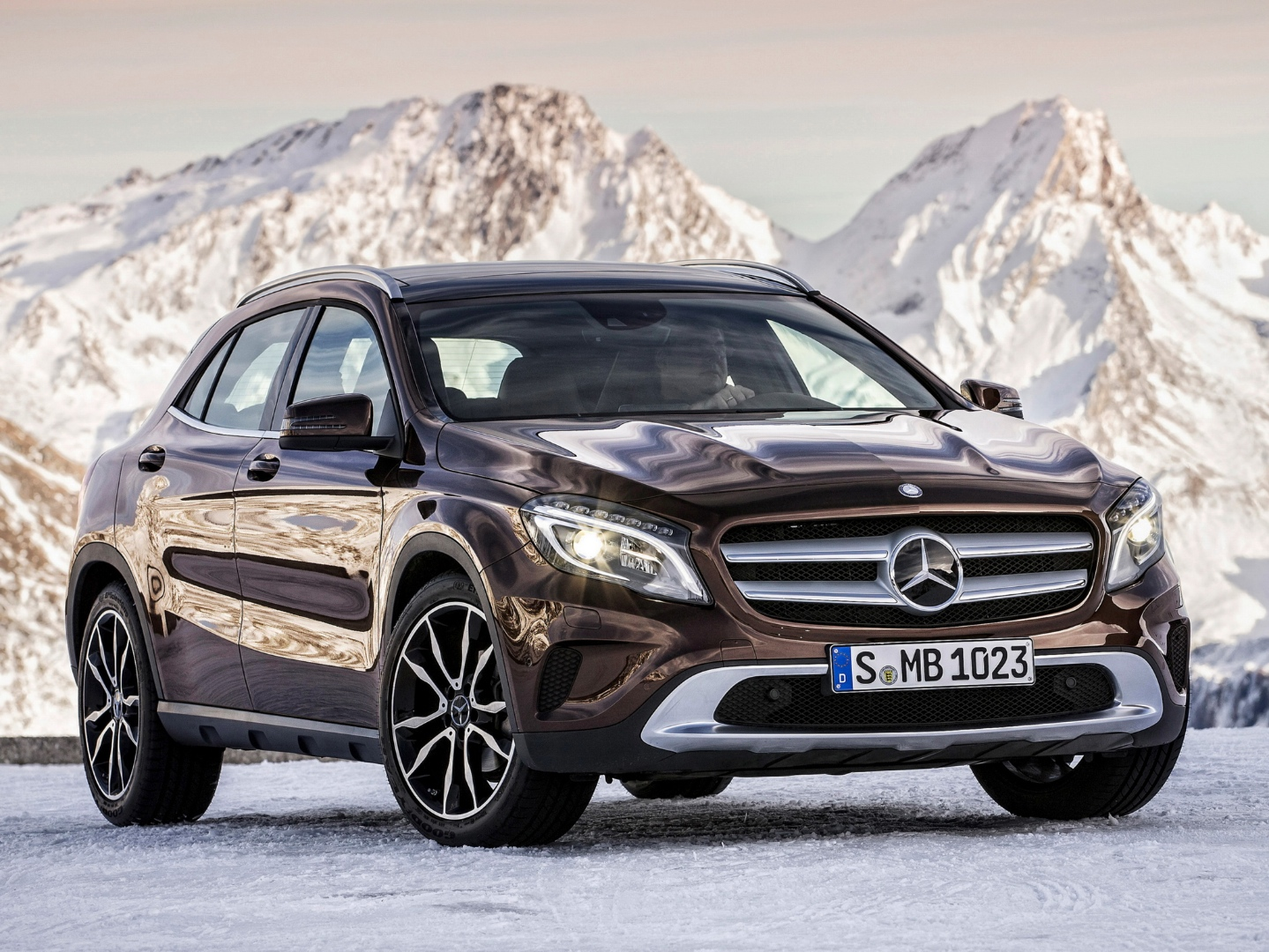 Mercedes benz gla crossover suv to be manufactured in for Mercedes benz suv models