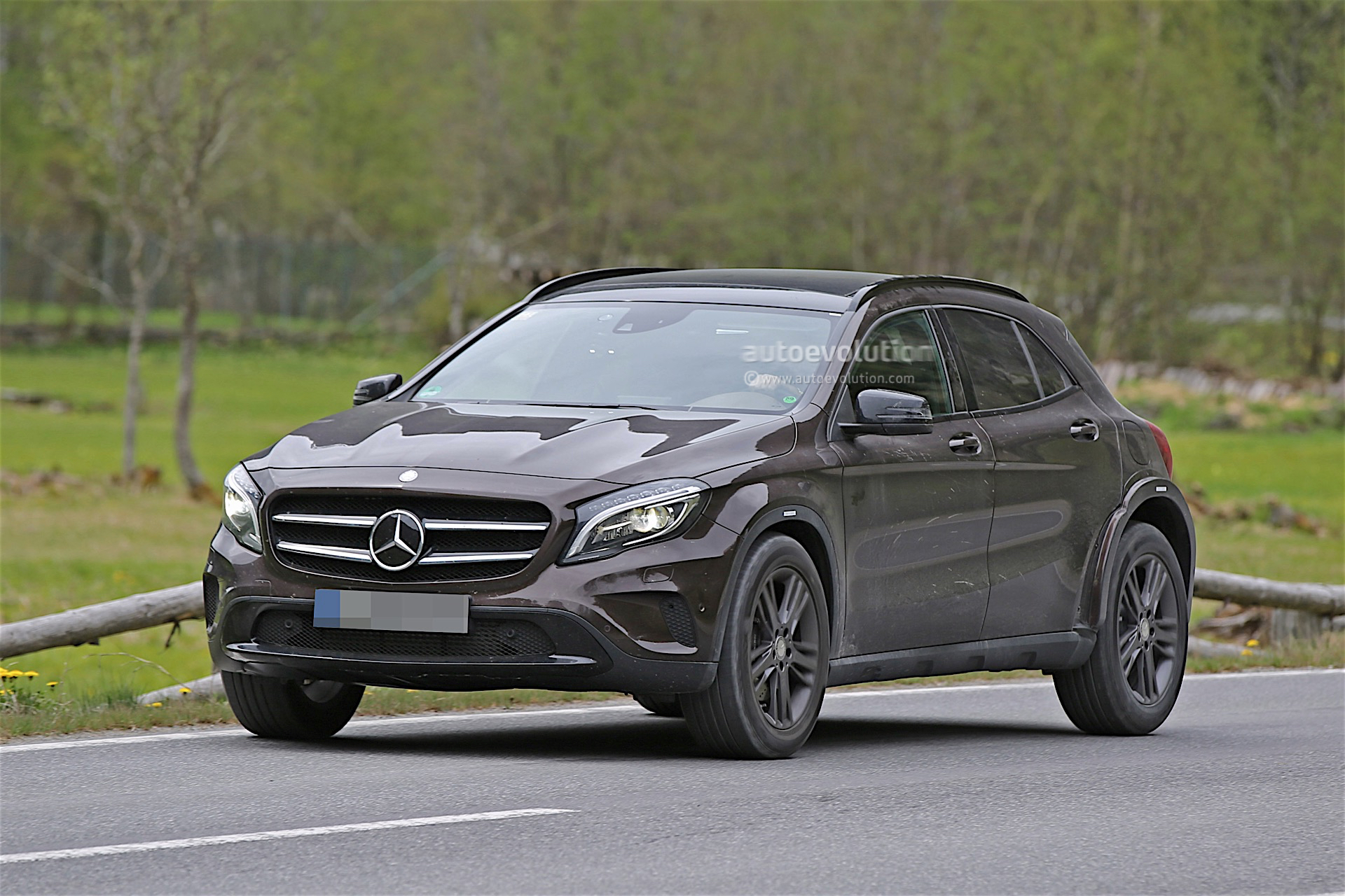 Mercedes Benz Is Testing Upcoming Glb Spyshots Reveal