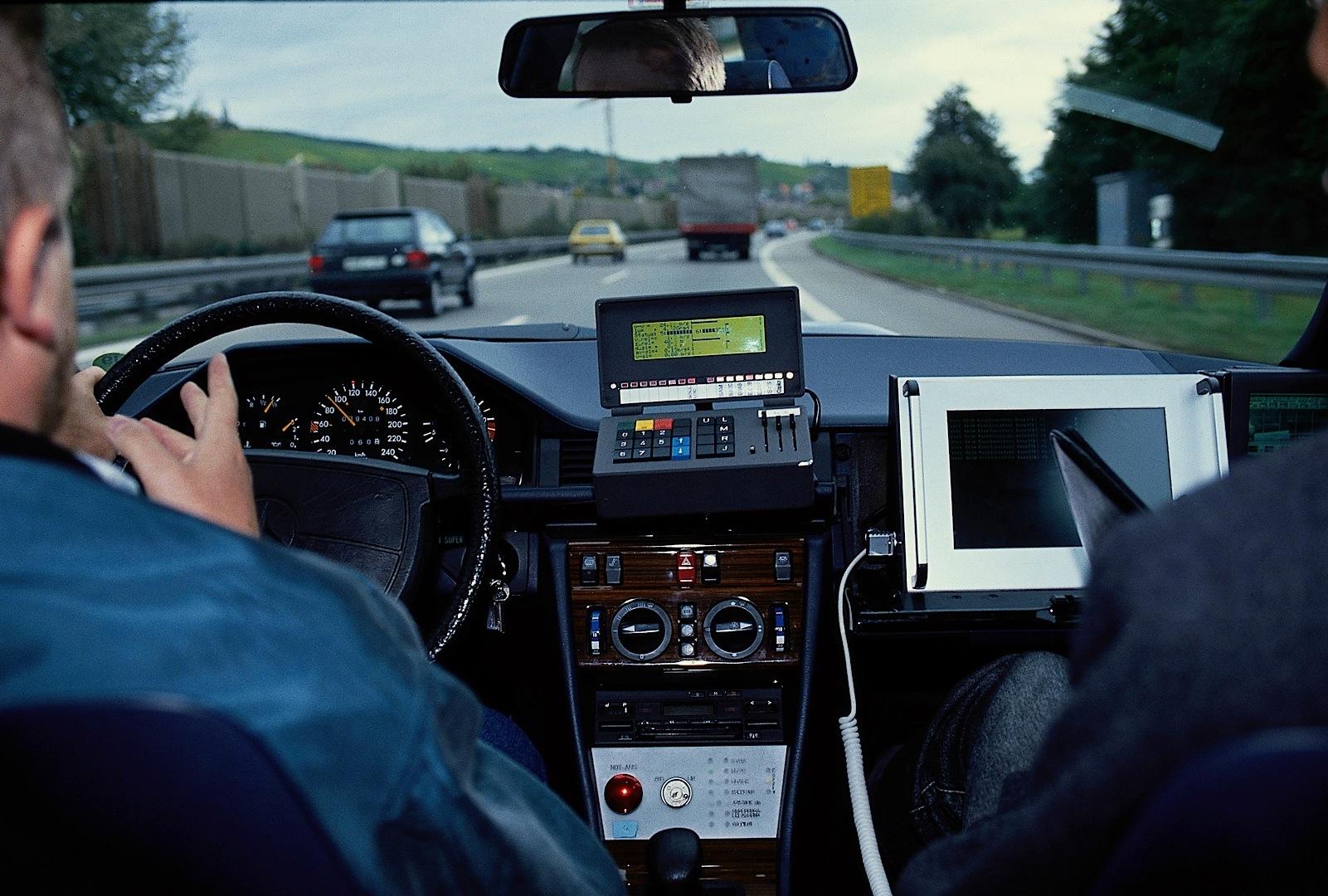 Mercedes benz had autonomous cars back in 1985 before it was cool autoevolution