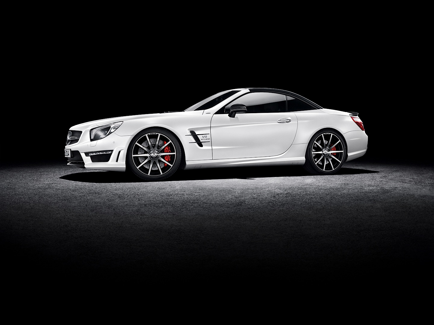 Mercedes benz launches special edition sl and slk for Mercedes benz slk 55 amg special edition