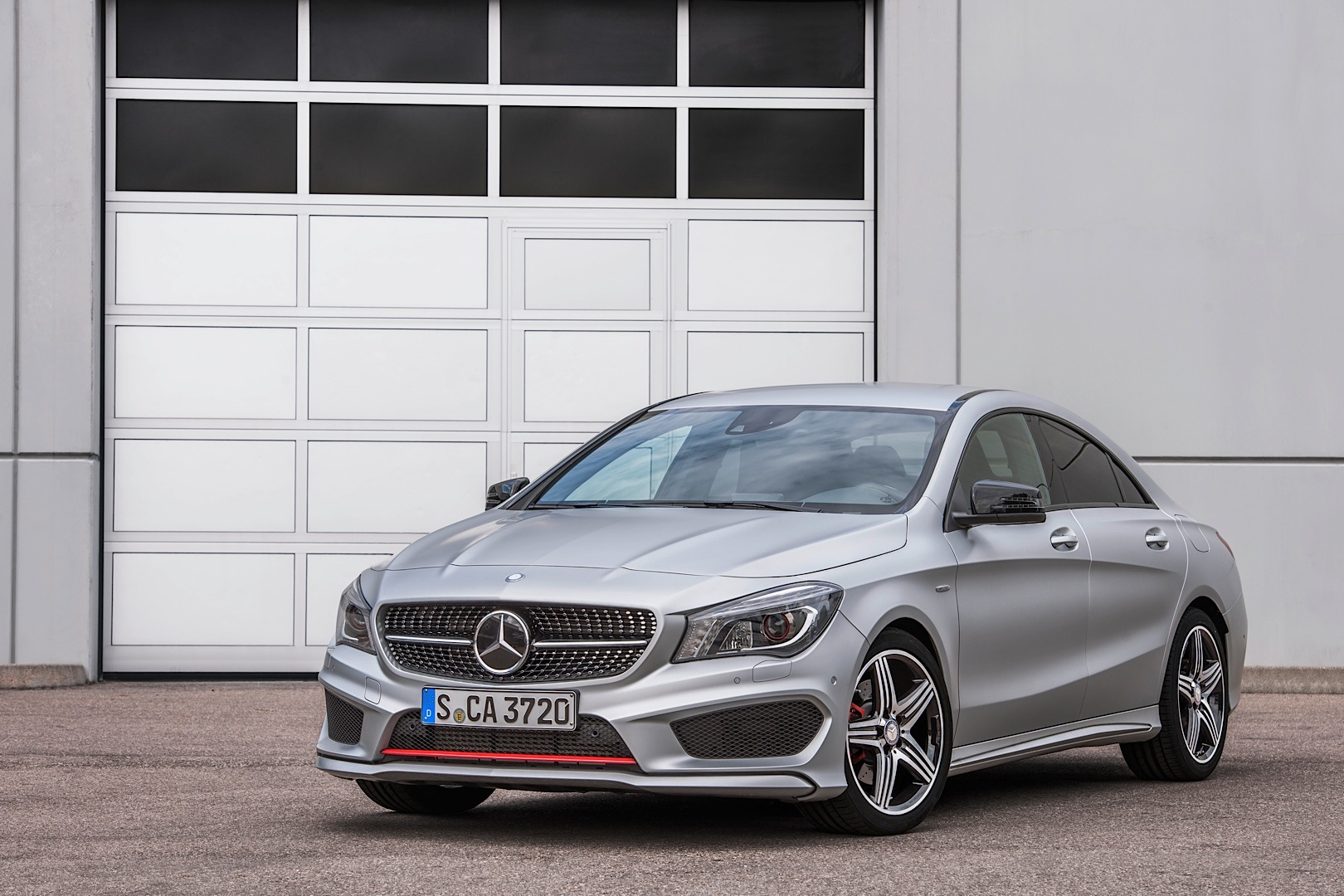 Mercedes benz launches the cla 250 sport version for Sporty mercedes benz