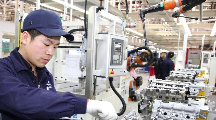 Mercedes-Benz Opens First Engine Plant in China