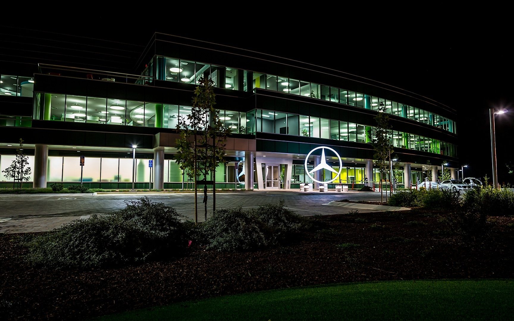 Mercedes benz north america headquarters for Mercedes benz north america headquarters