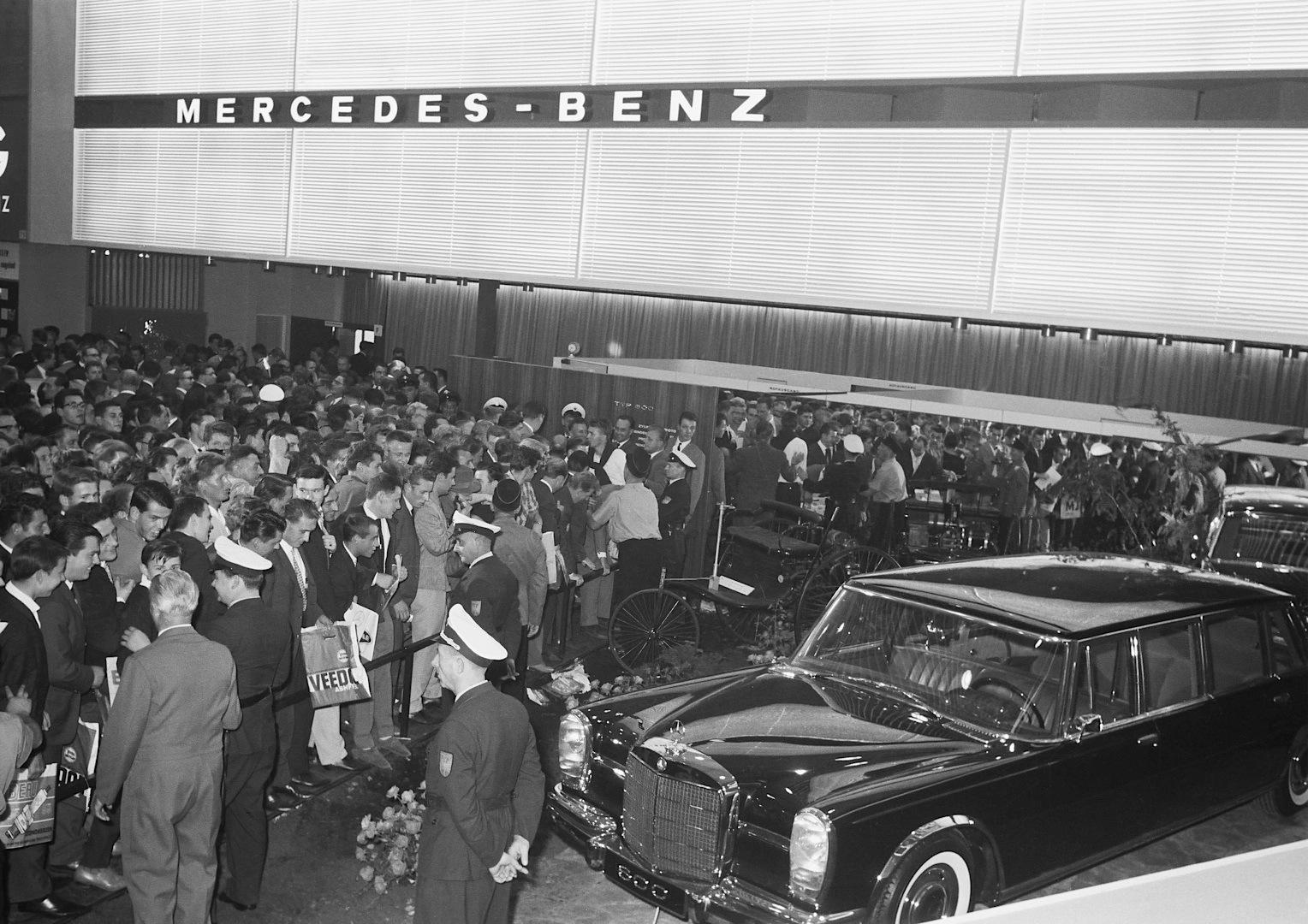 mercedes benz premieres at the frankfurt auto show over. Black Bedroom Furniture Sets. Home Design Ideas