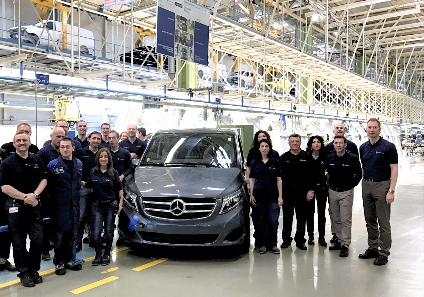 Mercedes benz produces 100 000th v class at vitoria plant for Mercedes benz espana