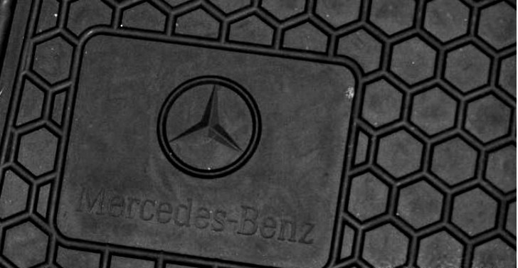 Mercedes benz recalls g and m class for rubber floor mats for Mercedes benz ml350 rubber floor mats