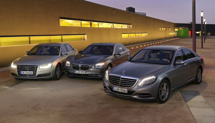Mercedes Benz S 500 4matic Vs Bmw 750i Vs Audi A8 4 0 Tfsi