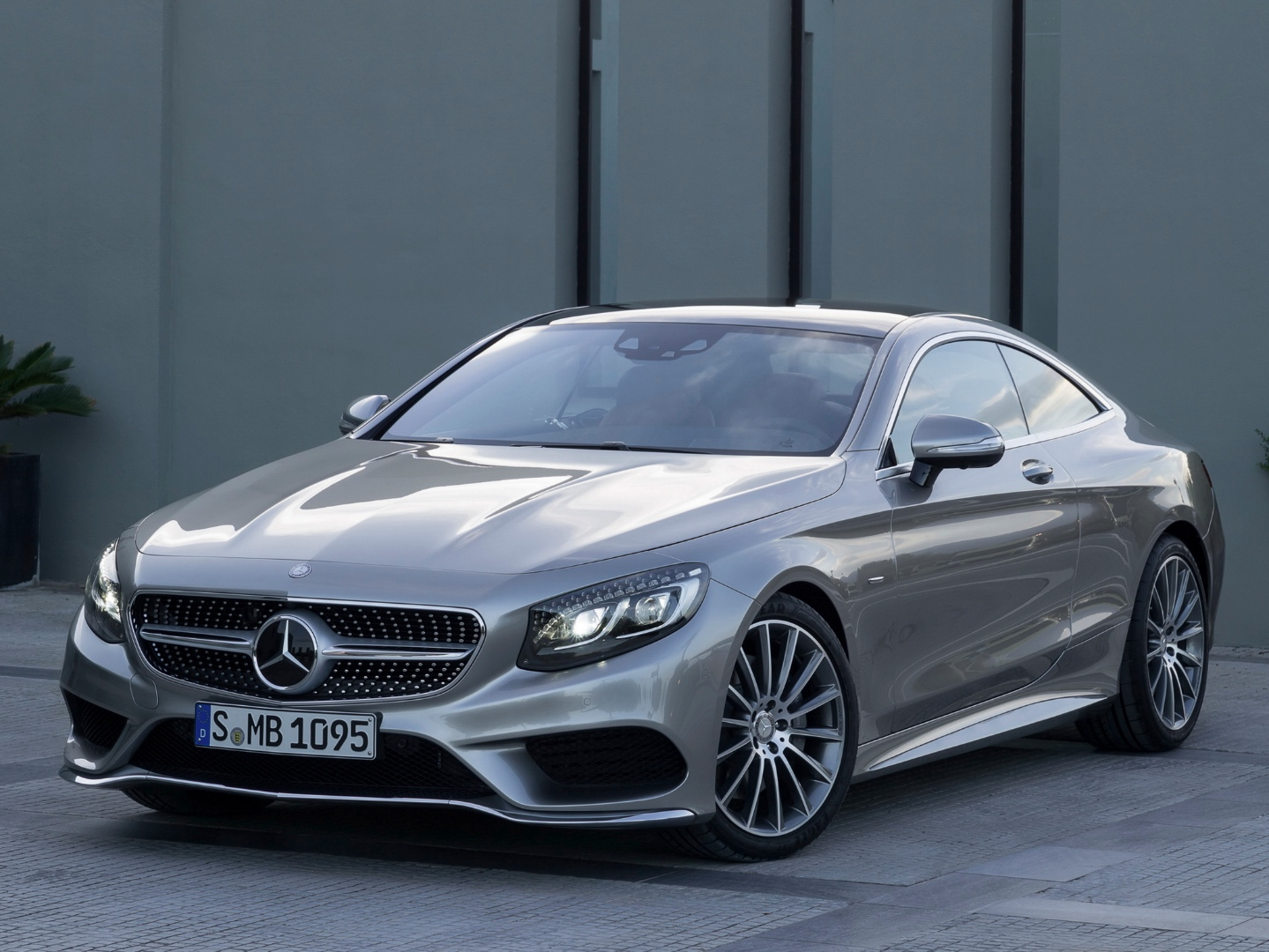 Mercedes benz s class coupe c217 finally starts for S coupe mercedes benz