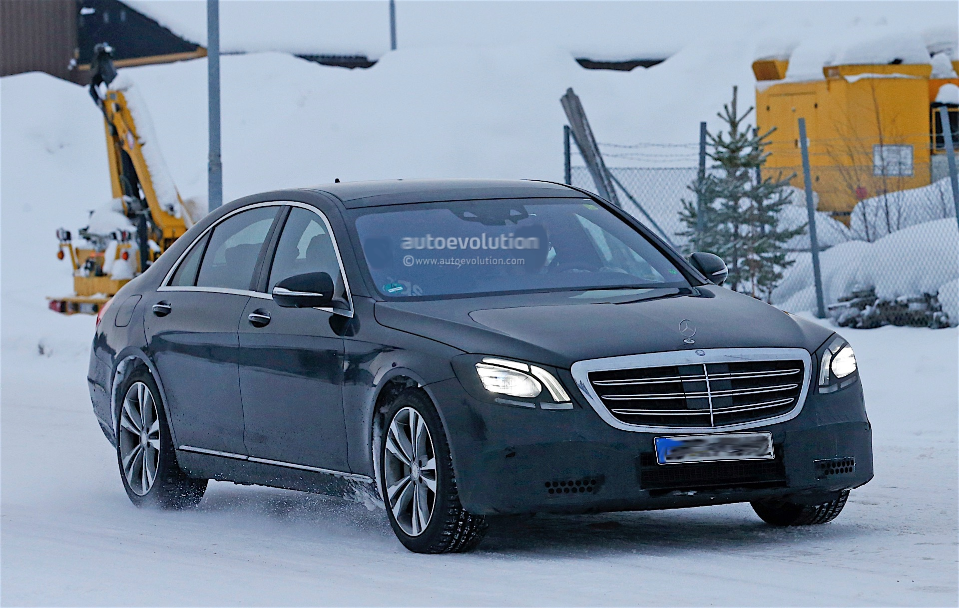 2018 Mercedes Benz S Class Facelift Spyshots Reveal New