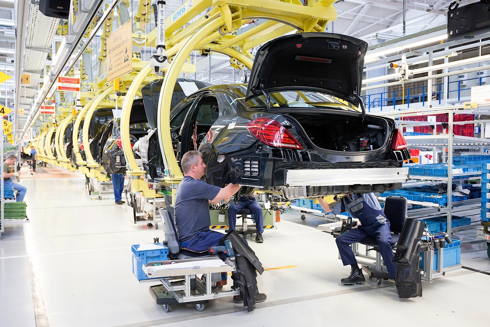mercedes benz s class w222 has highest daily production output