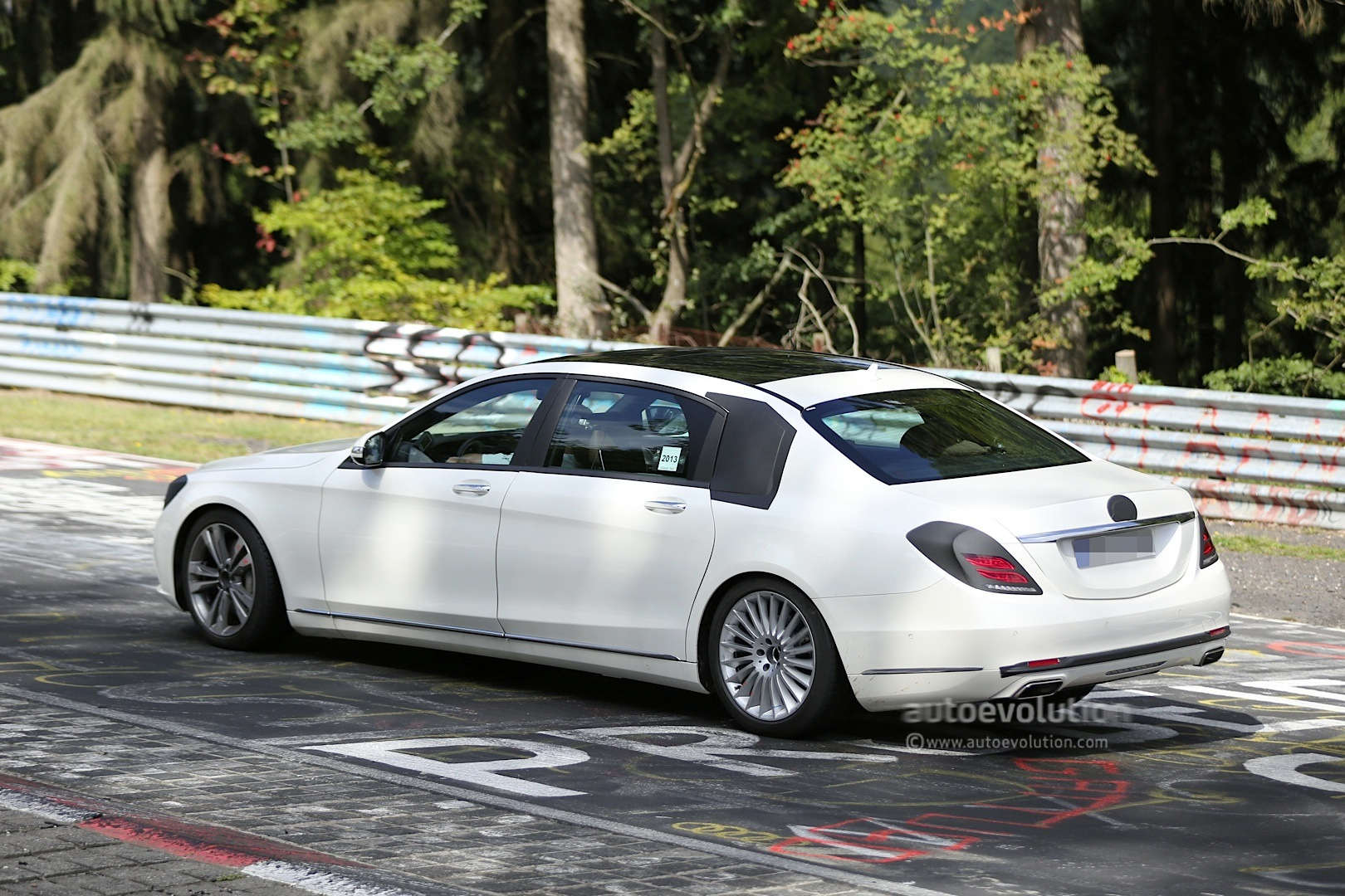 Mercedes benz s class w222 xl wheelbase might get maybach for Mercedes benz name