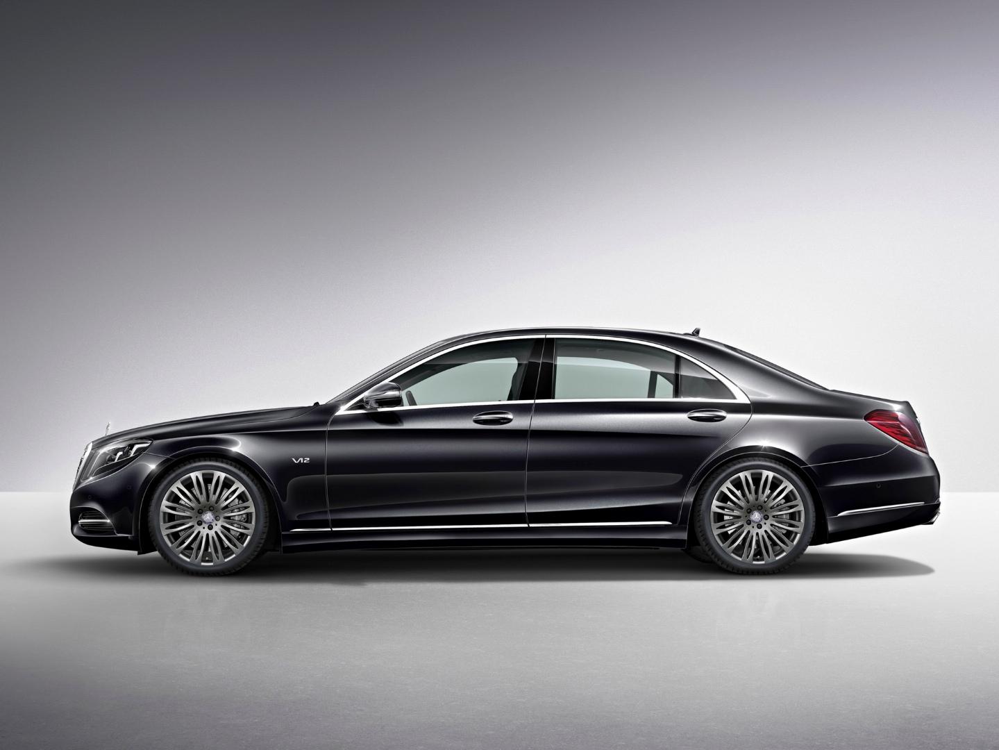 Mercedes benz s class wins best chauffeur car award for Best class of mercedes benz