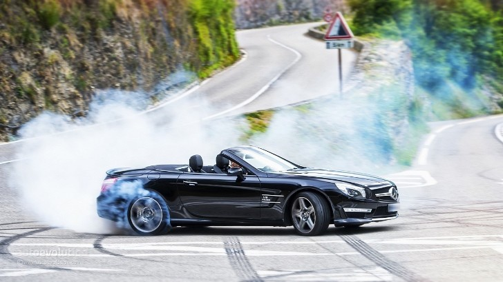 Mercedes-Benz SL63 AMG Tested