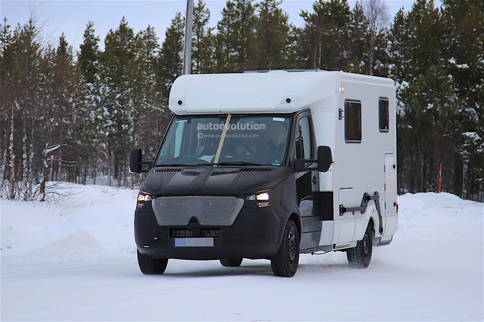 Mercedes benz sprinter spotted testing caravan conversion for Mercedes benz caravan