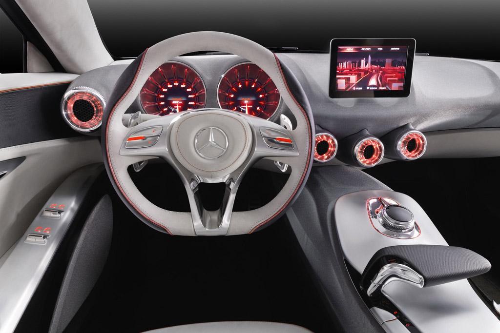 mercedes-benz to develop 3d displays for future models - autoevolution