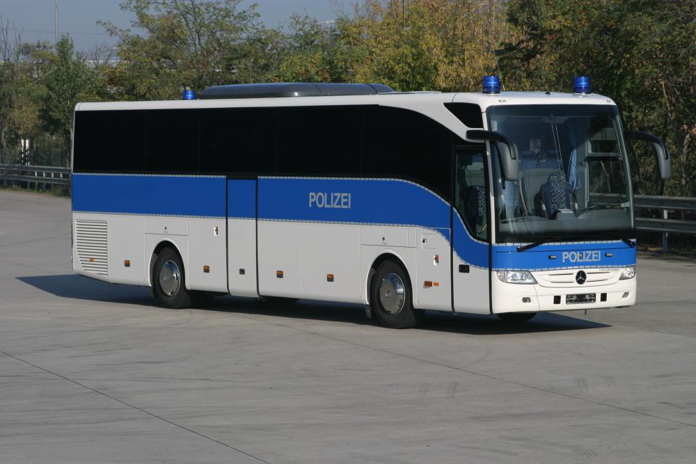 mercedes benz tourismo buses for german police autoevolution. Black Bedroom Furniture Sets. Home Design Ideas