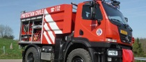 Mercedes-Benz Unimog U 20 Fights Forest Fires