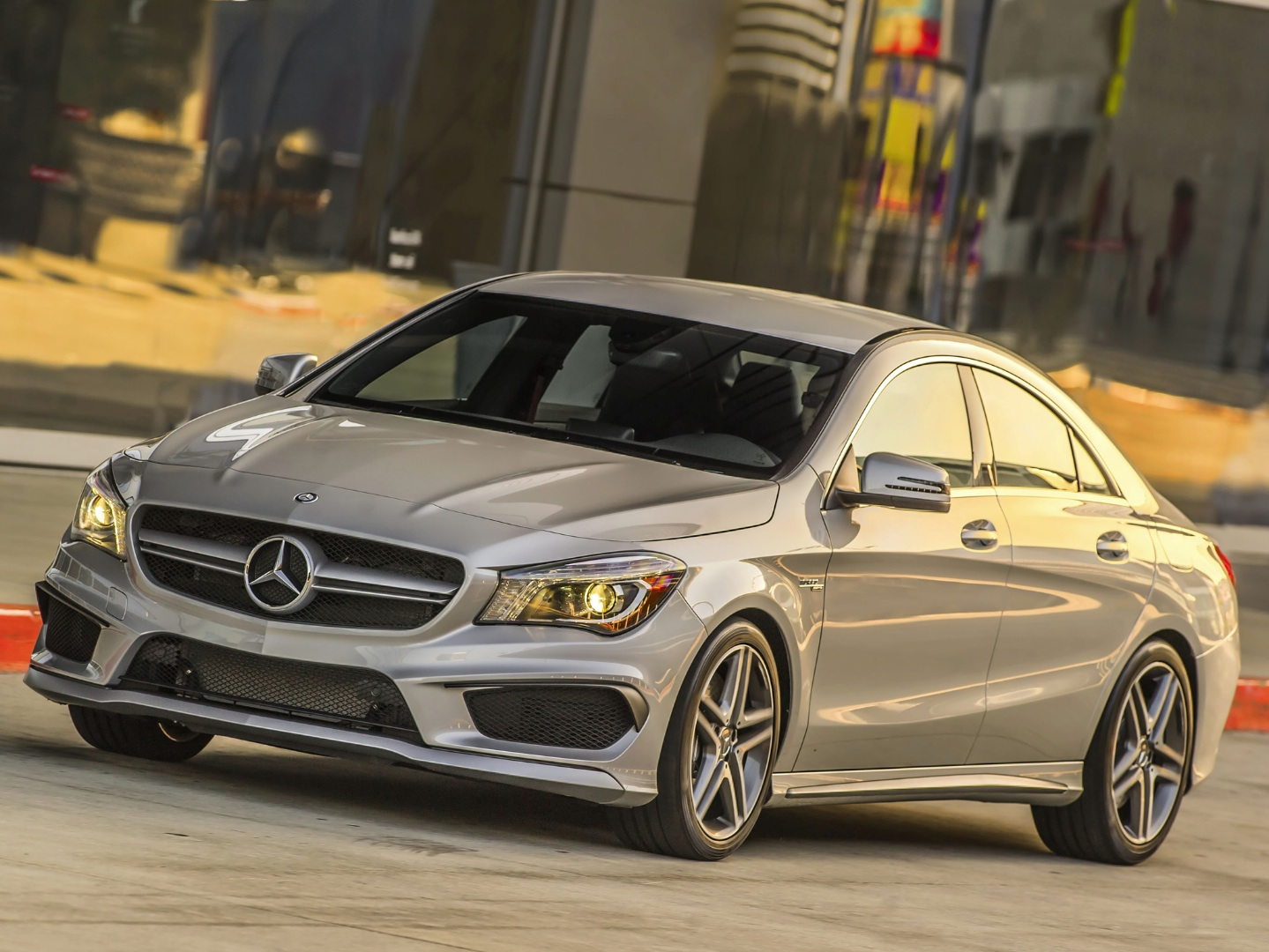 Mercedes benz usa breaks all time sales record in 2013 for Mercedes benz customer service usa