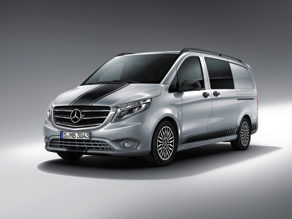 mercedes benz vito sport line gets racing stripe and sports suspension autoevolution. Black Bedroom Furniture Sets. Home Design Ideas